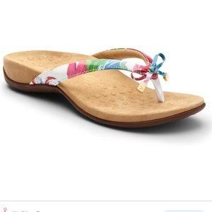 Vionic Bella II floaral sandal